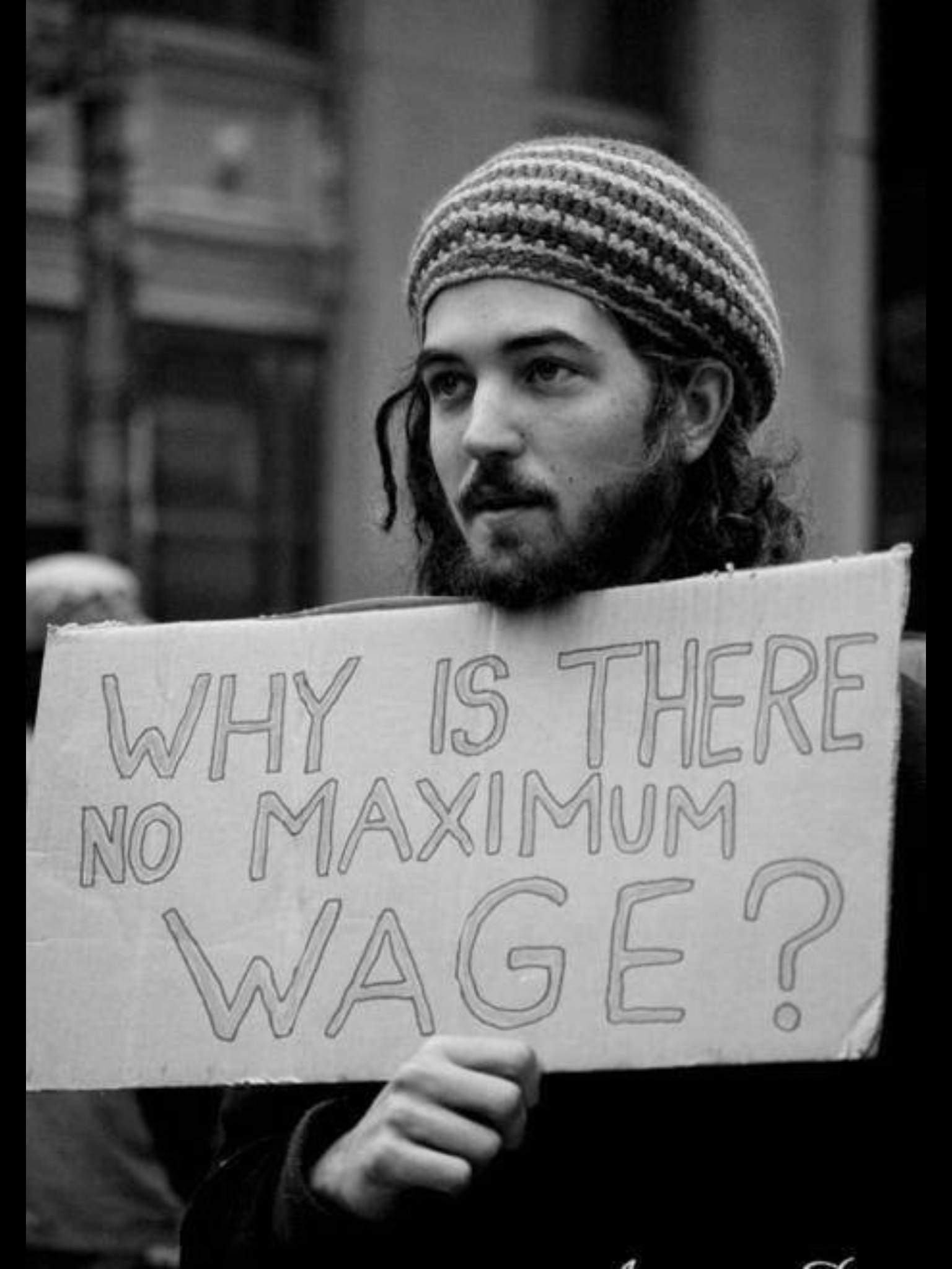 Minimum and Maximum Wage