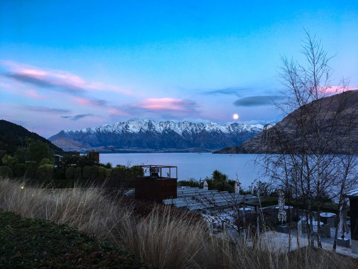 Sunset and Moonrise at the Matakari Lodge in Queenstown