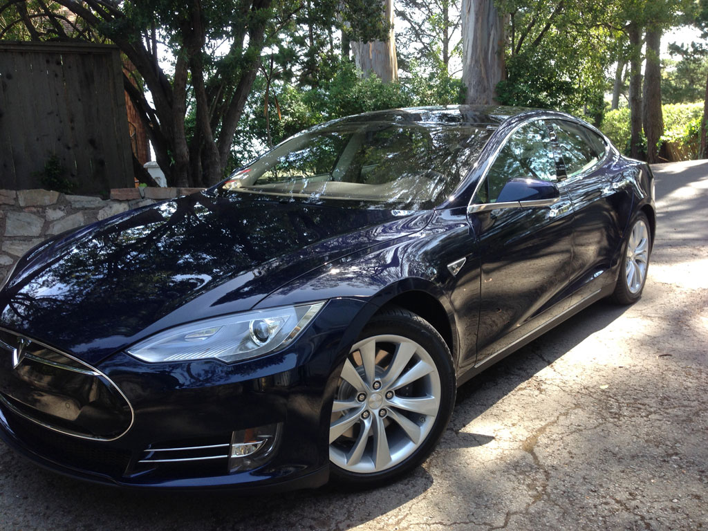 Tesla Model S Arrives with Style!